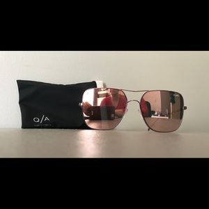 Quay Stop and Stare Sunglasses with case
